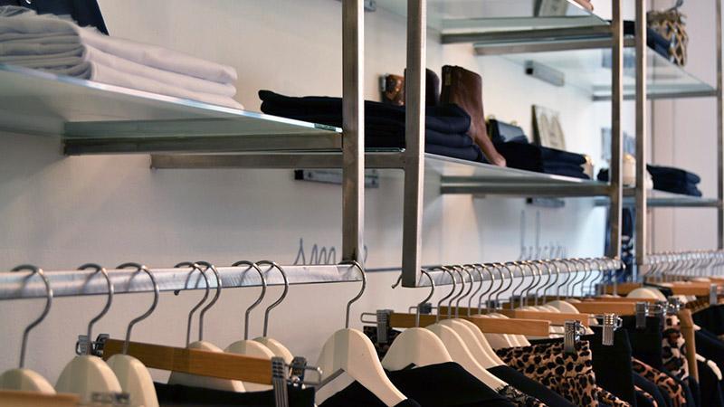 Progetto Negozio: Friend's Abbigliamento